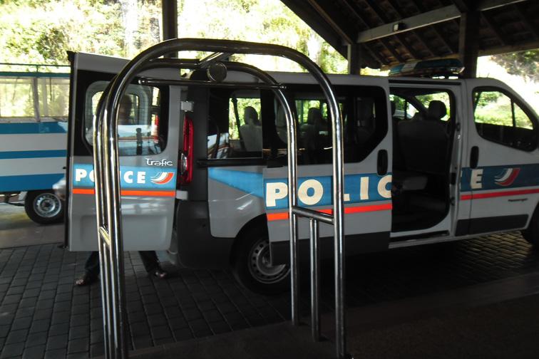 Возвращение на Таити: тюрьма закрыта, садись в корыто